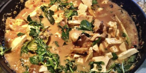 oyster-mushroom-and-tofu-red-curry-cookingL