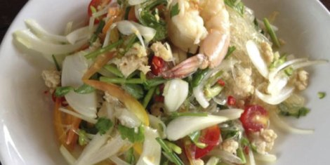 prawn-salad-wiht-glass-noodles