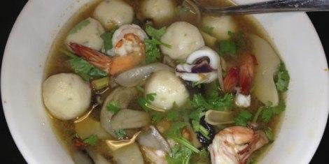 Tom-Yum-soup-w-fishballs