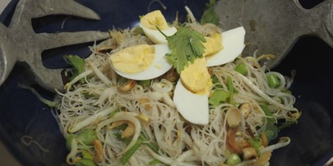 thai-noodles-shrimp-egg