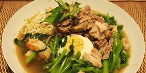 vietnamese-pork-prawn-soup-1